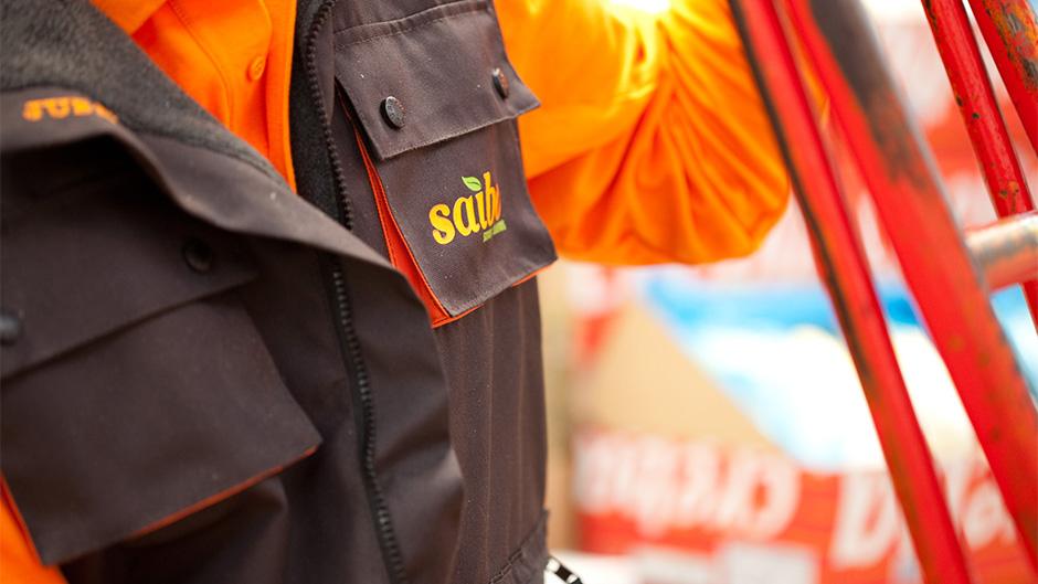 Diseño de identidad corporativa Saibo - Diseño de uniformes para empresa de alimentación - Estudio de diseño gráfico Valencia Pixelarte