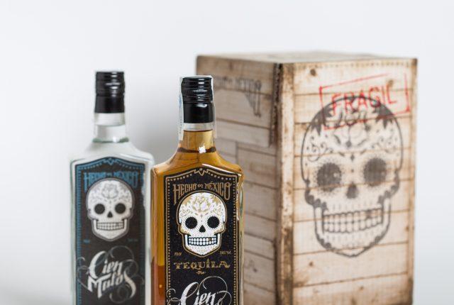 Diseño de etiquetas para bebida - Diseño de packaging botella tequila - Diseño de labelling para tequila Cien Malos - Estudio de diseño Valencia Pixelarte